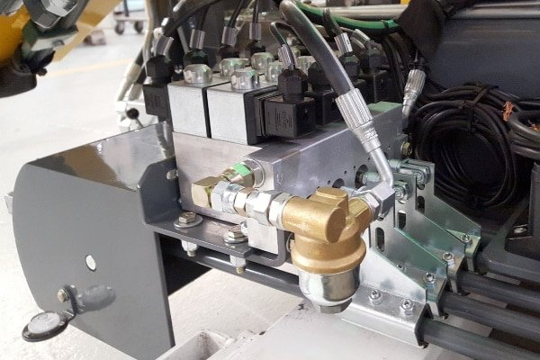 Kit radiocomando per gru idrauliche su aste doppio comando